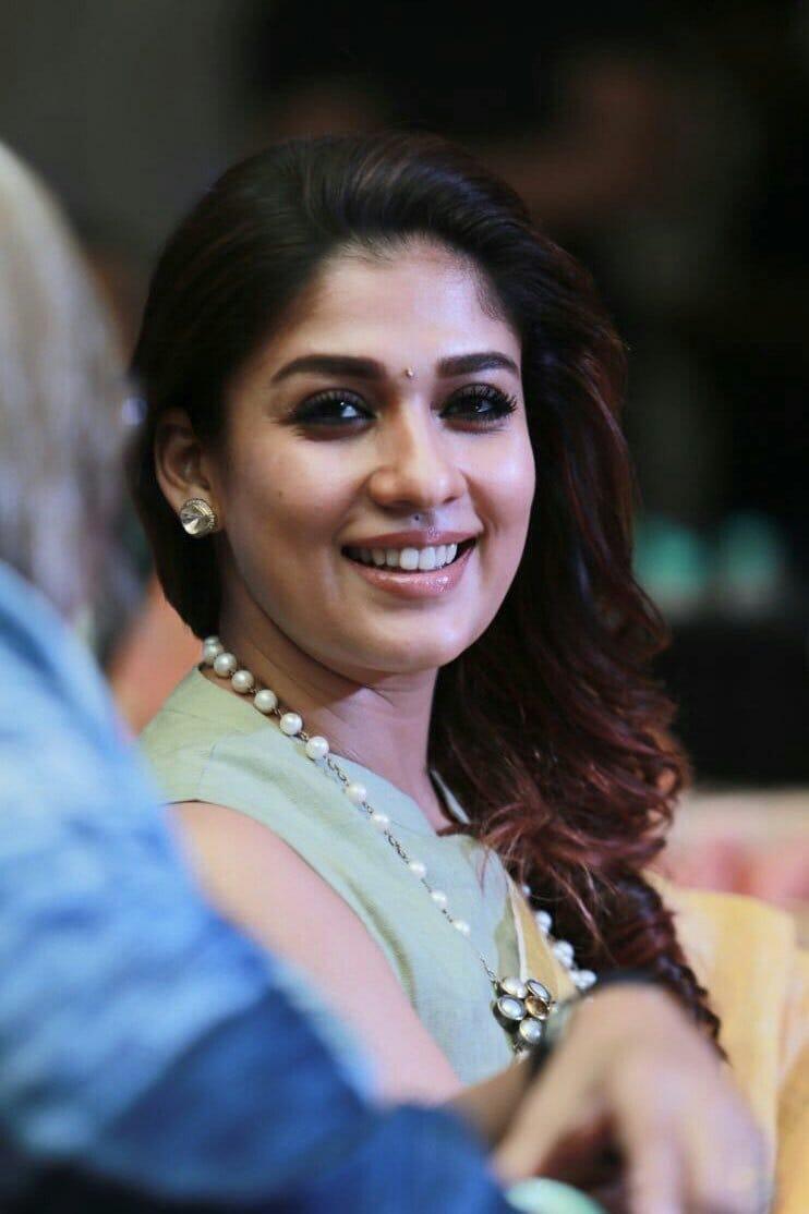 సినీ కార్మికుల కోసం 20లక్షలు విరాళం ఇచ్చిన నయనతార Photo : Twitter