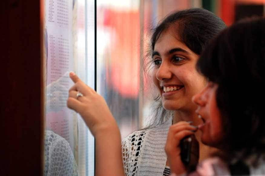 5. ఆసక్తిగల విద్యార్థులు అధికారిక వెబ్సైట్ http://nosmsje.gov.in/ లో దరఖాస్తు చేయాల్సి ఉంటుంది. (ప్రతీకాత్మక చిత్రం)