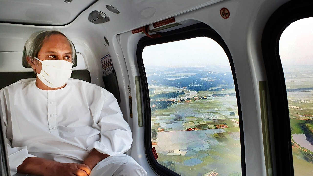 Cyclone Amphan | అంఫన్ తుఫాన్ కారణంగా ఒడిశాలో దెబ్బతిన్న ప్రాంతాలను పరిశీలిస్తున్న సీఎం నవీన్ పట్నాయక్