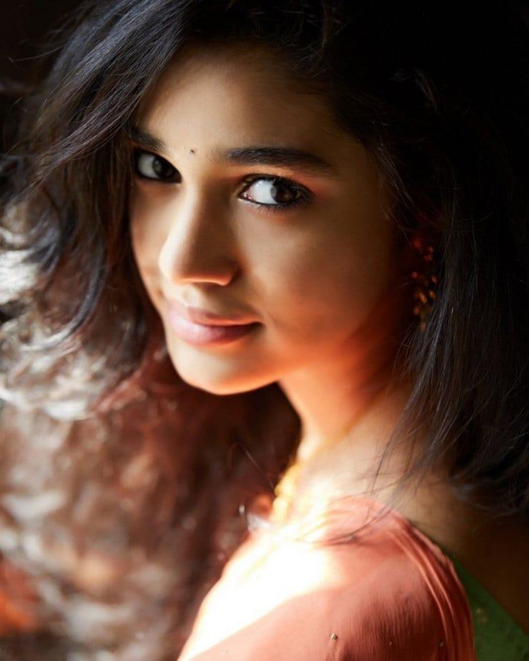 ఉప్పెన హీరోయిన్ కృతి శెట్టి (Uppena fame Krithi Shetty/Instagram)