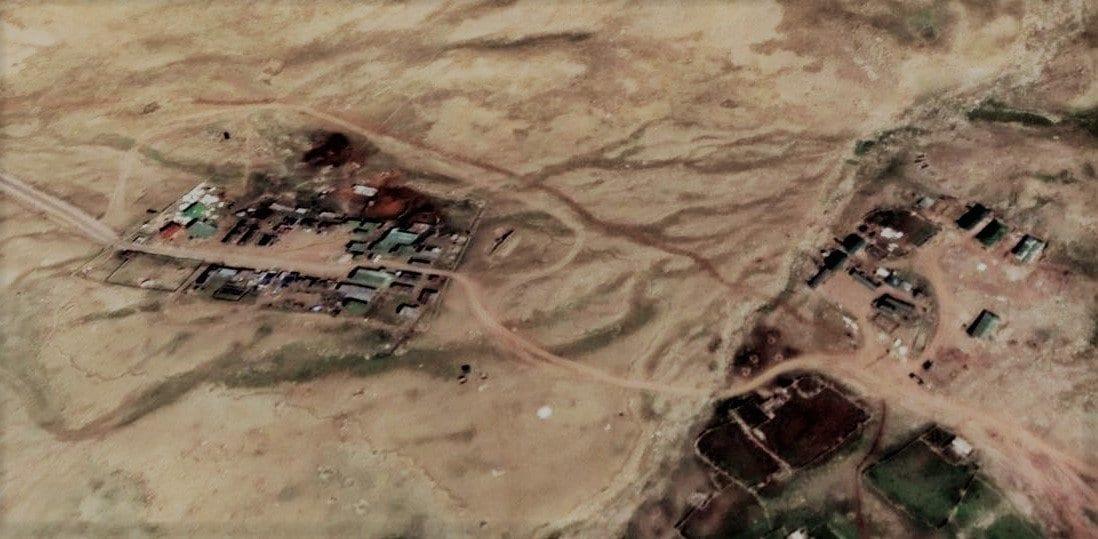 ప్రస్తుతం... లఢక్ దగ్గర చైనా సైన్యం... భారత్ భూభాగంలోకి చొచ్చుకు వచ్చేందుకు యత్నిస్తోంది. సరిహద్దు వెంట... 5వేల మంది సైన్యాన్ని, పెద్ద ఎత్తున ఆయుధాల్ని, యుద్ధ విమానాల్ని స్టాక్ పెడుతోంది. బంకర్లు నిర్మిస్తోంది. కరోనా టైంలో ఆర్థికంగా బలహీనపడిన భారత్పై యుద్ధ చర్యలకు దిగి... సరిహద్దు ప్రాంతాల్ని ఆక్రిమించుకోవాలన్నది చైనా ఎత్తుగడగా తెలుస్తోంది. ఐతే... చైనా ఏ చర్యలకు దిగినా... బలంగా తిప్పికొట్టాలని భారత్ పెద్ద ఎత్తున సైన్యాన్ని సరిహద్దుల్లో మోహరిస్తోంది. (credit - twitter)