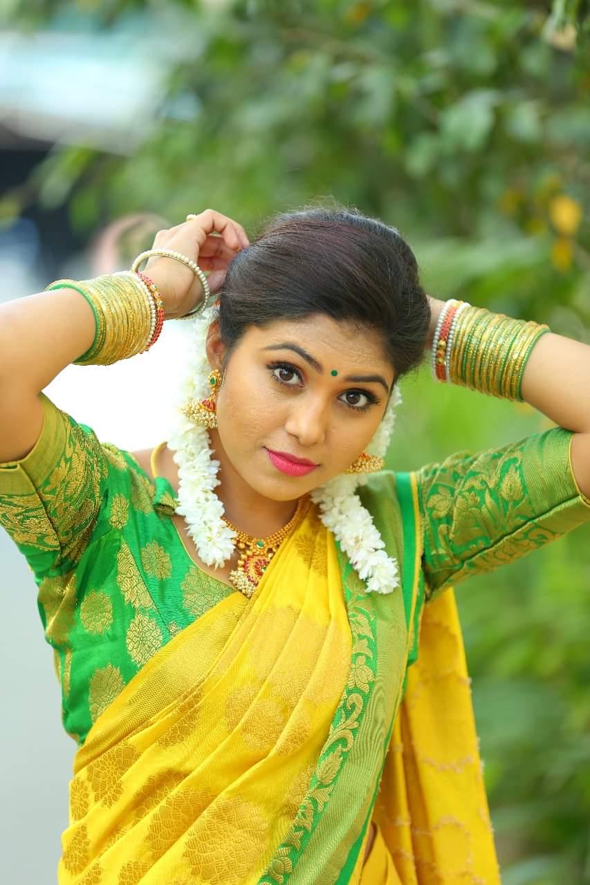 చమ్మక్ చంద్ర టీం కమెడియన్ సత్య శ్రీ ఫోటోస్ (lady comedian sathya sree/Twitter)