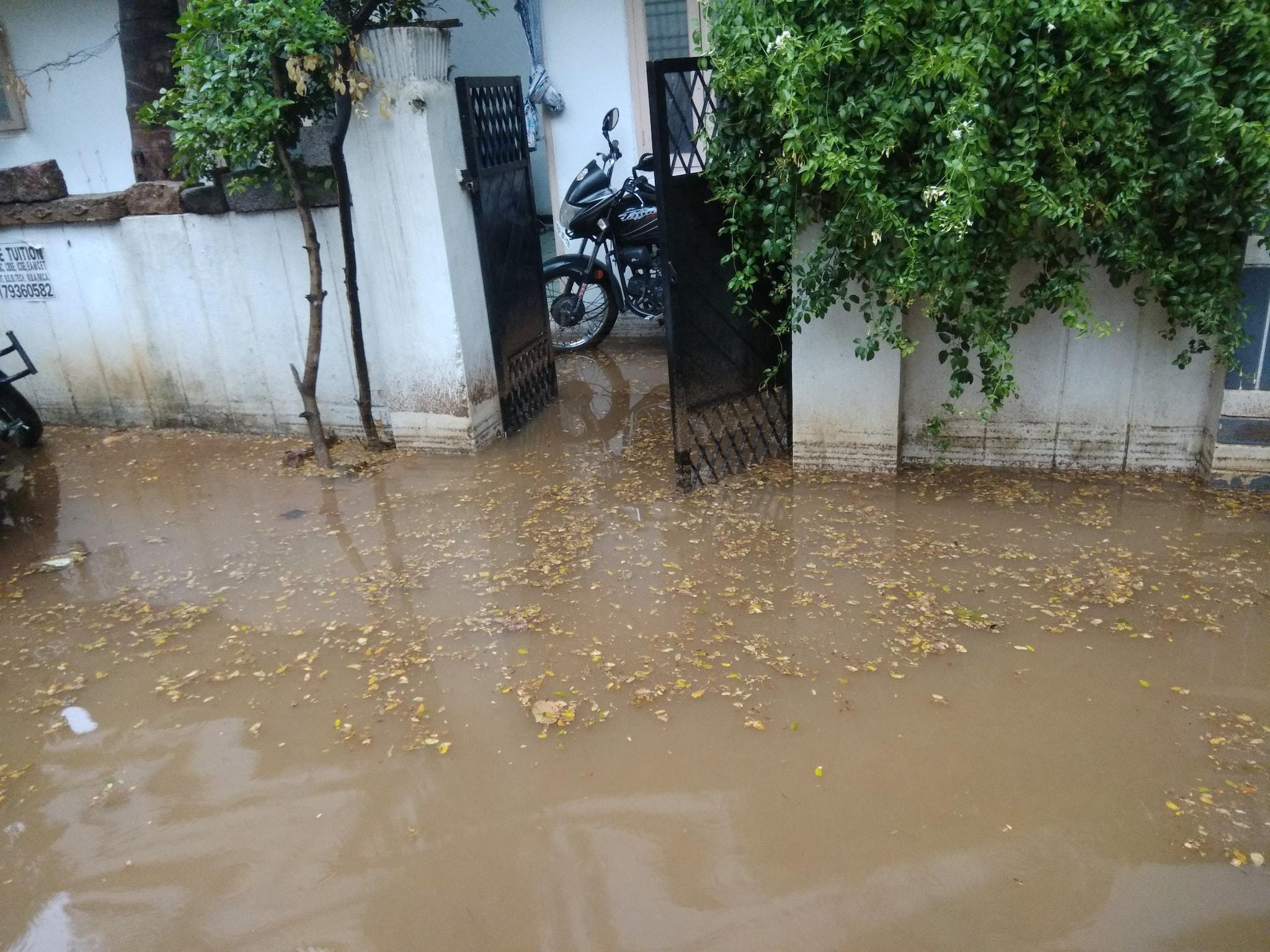 హైదరాబాద్లో మారిన వాతావరణ దృశ్యాలు (credit - twitter)