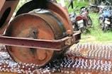 Video: మచిలీపట్నంలో 14వేల మందు బాటిళ్లు ధ్వంసం...