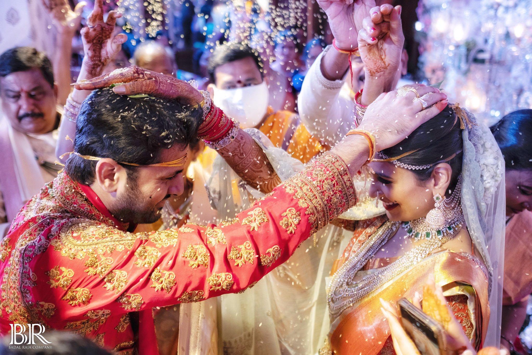 #NithinShaliniWedding : నితిన్ షాలిని పెళ్లి ఫోటోలు.. Photo : Twitter