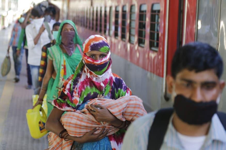 ఉత్తరప్రదేశ్, బీహార్, పశ్చిమ బెంగాల్ రాష్ట్రాలు వలస కూలీల తరలింపు కోసం రైల్వేశాఖకు రూ. 21 కోట్లు, రూ. 8 కోట్లు, రూ. 64 లక్షలు చెల్లించాయి.