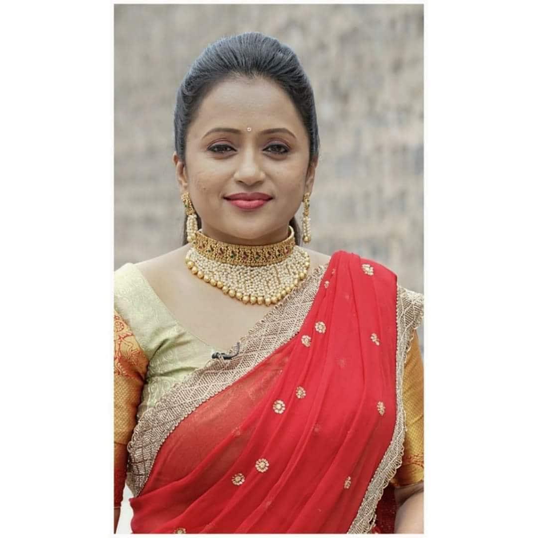 సాంప్రదాయ దుస్తుల్లో సుమ కనకాల లేటెస్ట్ ఫోటో షూట్ (Twitter/Photo)
