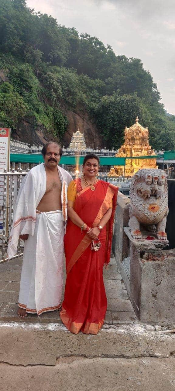 సింగిరికోనలోని నరసింహస్వామి ఆలయంలో ఎమ్మెల్యే రోజా