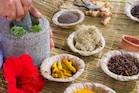 Cough Tips: దగ్గు వేధిస్తోందా... ఇంట్లోనే తయారుచేసుకునే ఆరోగ్య చిట్కాలు