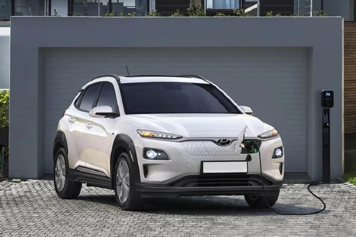 Hyundai Kona Electric Car : హ్యూందయ్ కంపెనీ కోనా ఎలక్ట్రిక్ కారు కొత్త రికార్డ్ సృష్టించింది. అదే... సింగిల్ ఛార్జ్తో 1000 కిలోమీటర్ల మైలేజ్ ఇవ్వడం.