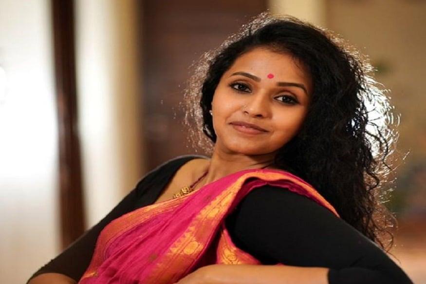 టాలీవుడ్ గాయని స్మిత కూడా కరోనా బారిన పడి కోలుకున్నారు. (Twitter/Photo)