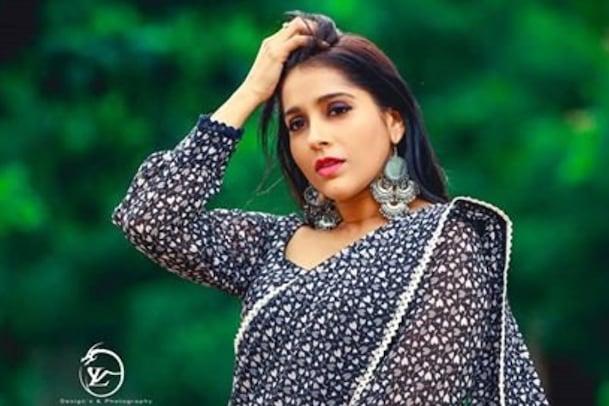 Jabardasth Rashmi Gautam: పెళ్లిపై క్లారిటీ ఇచ్చిన రష్మి.. అప్పుడే మ్యారేజ్ చేసుకుంటా..