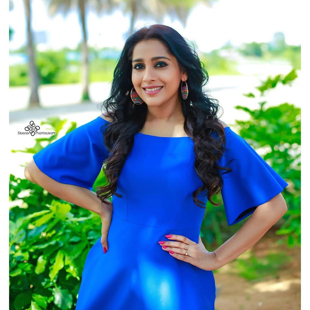 రష్మీ గౌతమ్ ఫోటోస్ Photo: Instagram