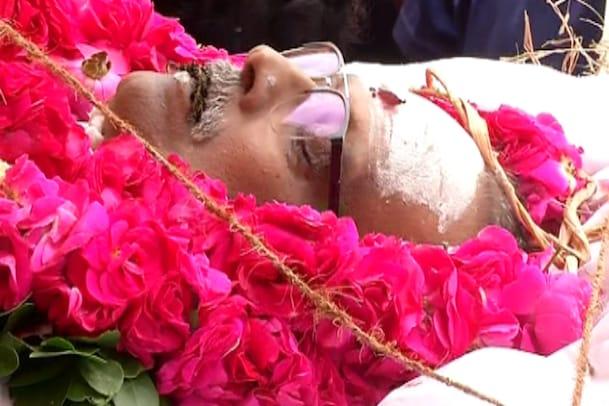 గాన గంధర్వునికి కన్నీటి వీడ్కోలు..ముగిసిన అంత్యక్రియలు..