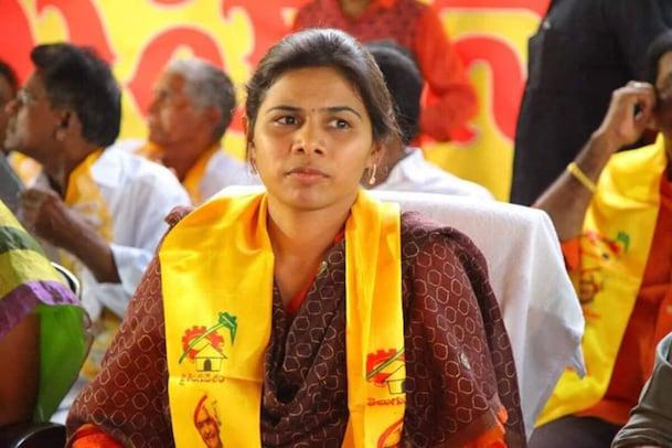 Andhra Pradesh: భూమా ఫ్యామిలీని టార్గెట్ చేసిన సీఎం జగన్... పాతికేళ్ల ఆధిపత్యానికి చెక్