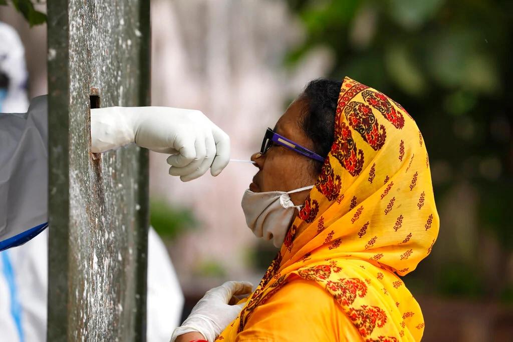 తాజా కేసులతో కలిపి భారత్లో మొత్తం కరోనా కేసుల సంఖ్య 69,06,151కి చేరింది. కరోనాను జయించి 59,06,069 మంది పూర్తిగా కోలుకున్నారు.