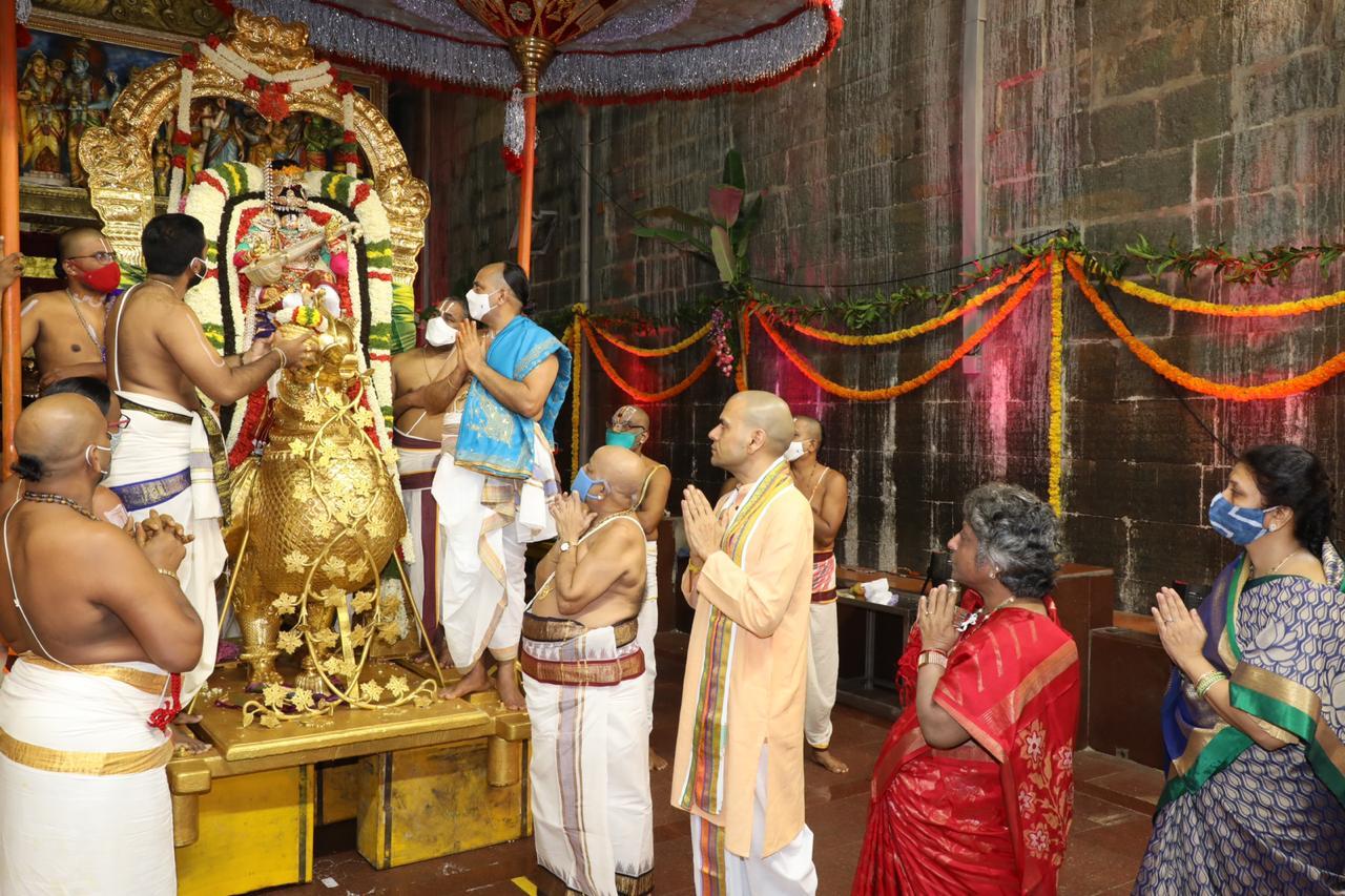 శ్రీవారి బ్రహ్మోత్సవాల్లో భాగంగా బ్రహ్మాండ నాయకునికి హంస వాహన సేవ
