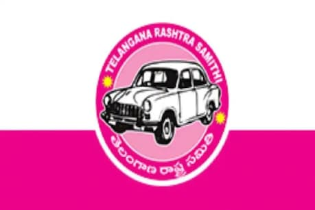 Dubbaka By Poll: అధికార పార్టీకి తలనొప్పిగా మారిన అభ్యర్థులు..!