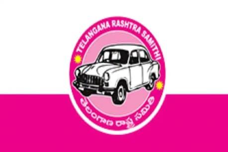 Ghmc Elections:  గ్రేటర్ ఎన్నికల వేళ టీఆర్ఎస్కు షాక్.. బీజేపీలో చేరిన మరో కార్పొరేటర్