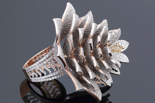 Photos: గిన్నీస్ రికార్డ్ సృష్టించిన Diamond Ring ఇదే... ఒక్క ఉంగరంలో 7,801 డైమండ్స్
