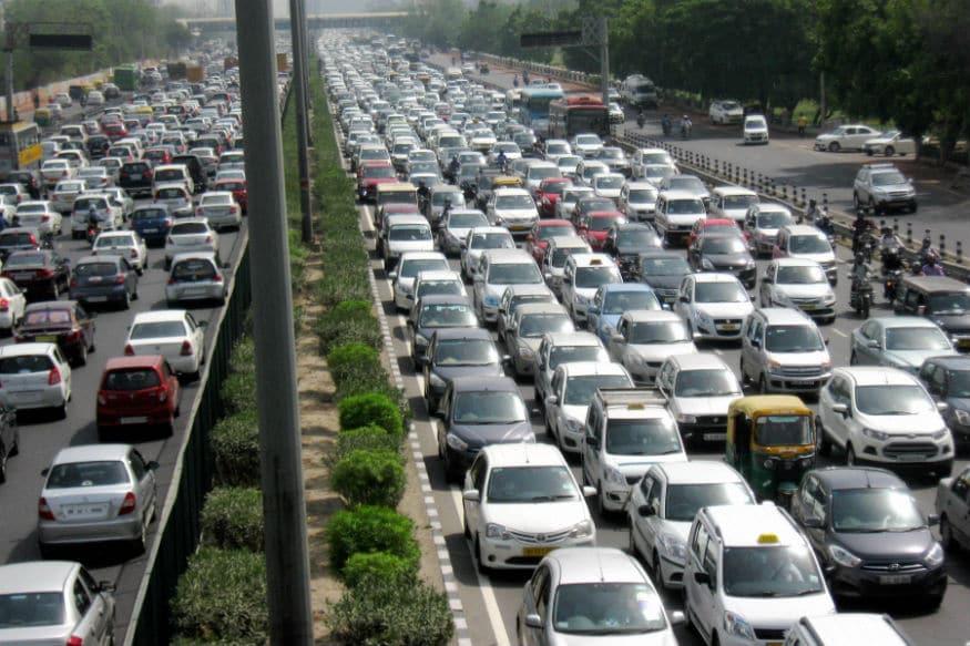 High Security Registration Plates: ఢిల్లీలో హైసెక్యూరిటీ రిజిస్ట్రేషన్ ప్లేట్స్ని నవంబర్ 1 నుంచి ఆన్లైన్లో బుక్ చేసుకోవచ్చు. (ప్రతీకాత్మక చిత్రం)