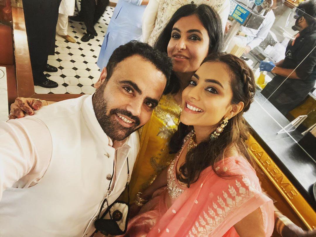 కాజల్ అగర్వాల్ పెళ్లిలో చెల్లెలు నిషా అగర్వల్ సందడి (Twitter/Photo)
