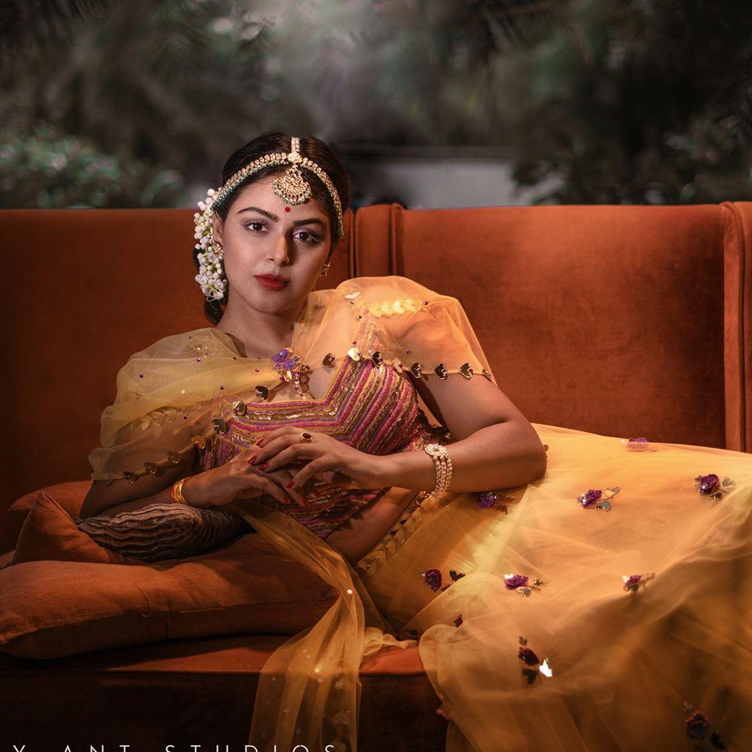 Bigg Boss Telugu 4 : బిగ్ బాస్ ప్రేమ పావురం మోనాల్ గజ్జర్ బ్యూటీఫుల్ పిక్స్.. Photo : Instagram