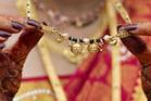 రియల్ లైఫ్ శుభలగ్నం.. భర్తను నడిరోడ్డు మీద నిలబెట్టి అమ్మేసిన భార్య.. తాళితో సహా
