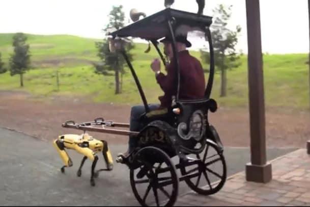 Robot Pulling A Rickshaw: రిక్షా లాగుతున్న రోబో. వాడకం అంటే ఇదీ. వైరల్ వీడియో