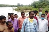 Telangana Floods: గోదావరిలో చిక్కుకున్న రైతులు, ఎట్టకేలకు బయటపడ్డారిలా