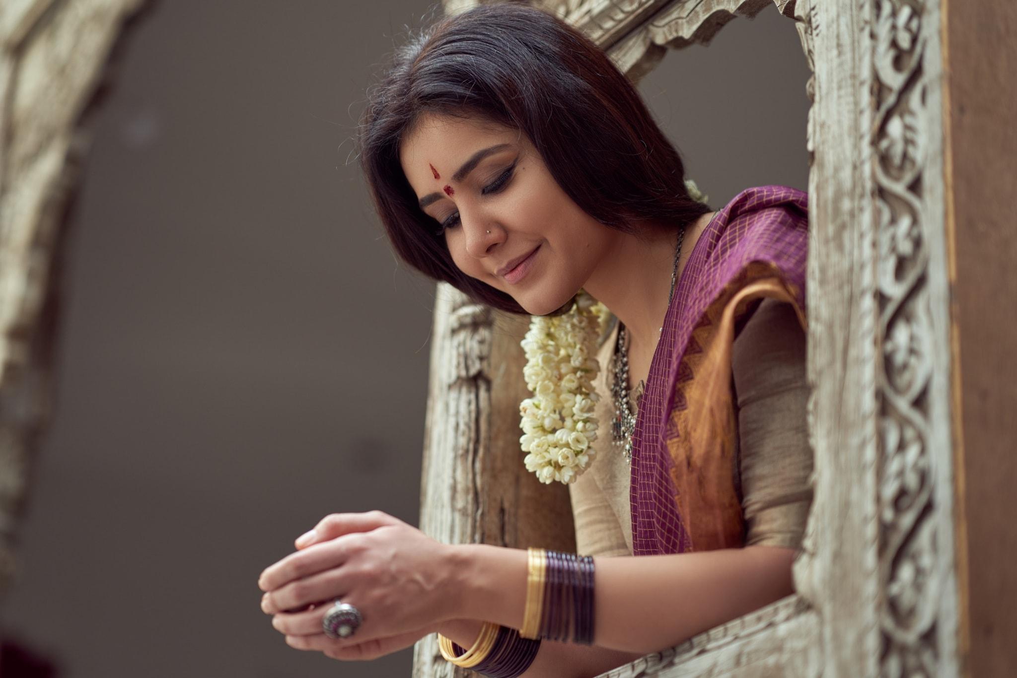 దసరా సందర్భంగా సాంప్రదాయ చీరకట్టులో అందాల రాశీ ఖన్నా (Twitter/Photo)