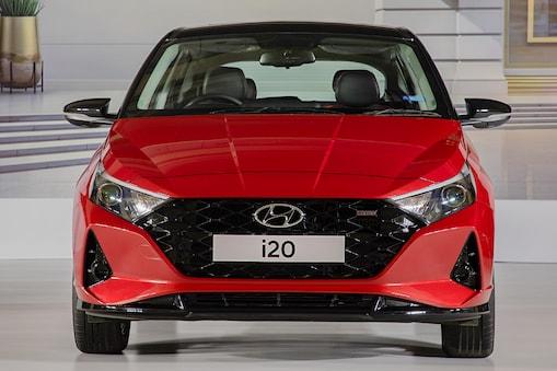 Hyundai i20 Magna: కొత్త i20 కారు కొంటున్నారా...కేవలం కొత్త బుల్లెట్ బైకు ధరకే...ఎలాగంటే..