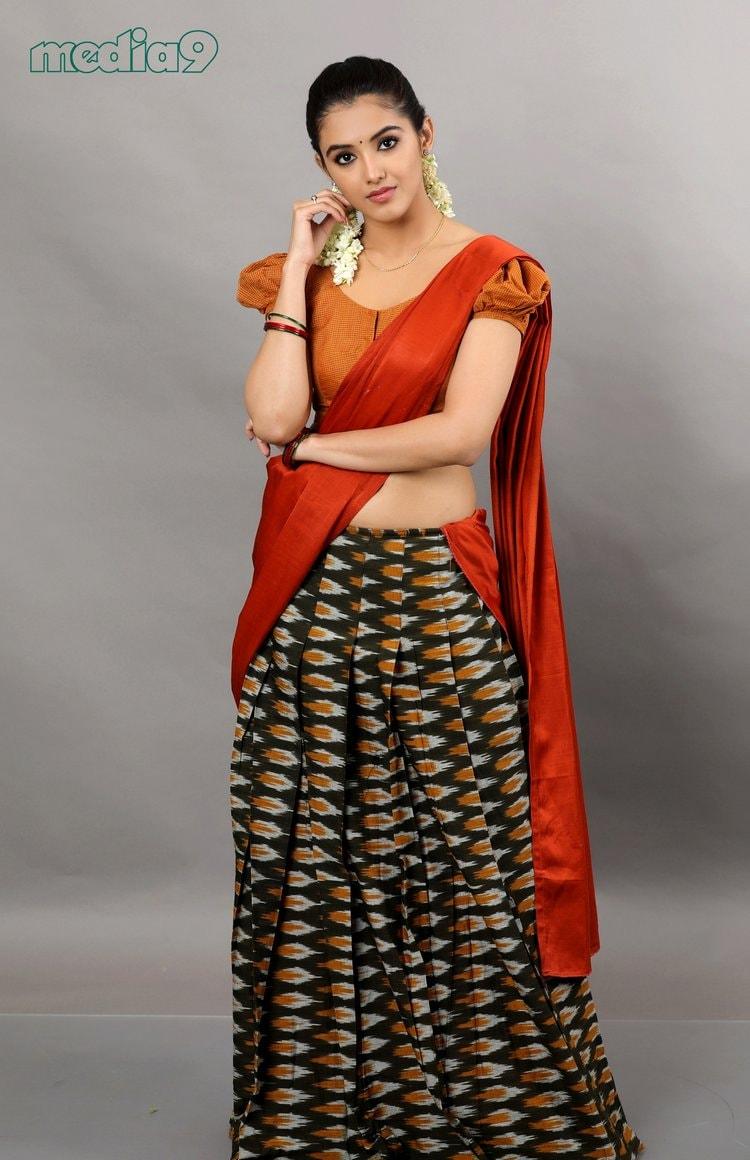 మాళవిక శర్మ హాట్ పోటోషూట్ (malvika sharma/Source: Media9)