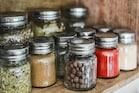 Kitchen Tips: కిచెన్లో అదిరిపోయే చిట్కాలు... పాటిస్తే మీరే స్మార్ట్ లైఫ్ పార్ట్నర్