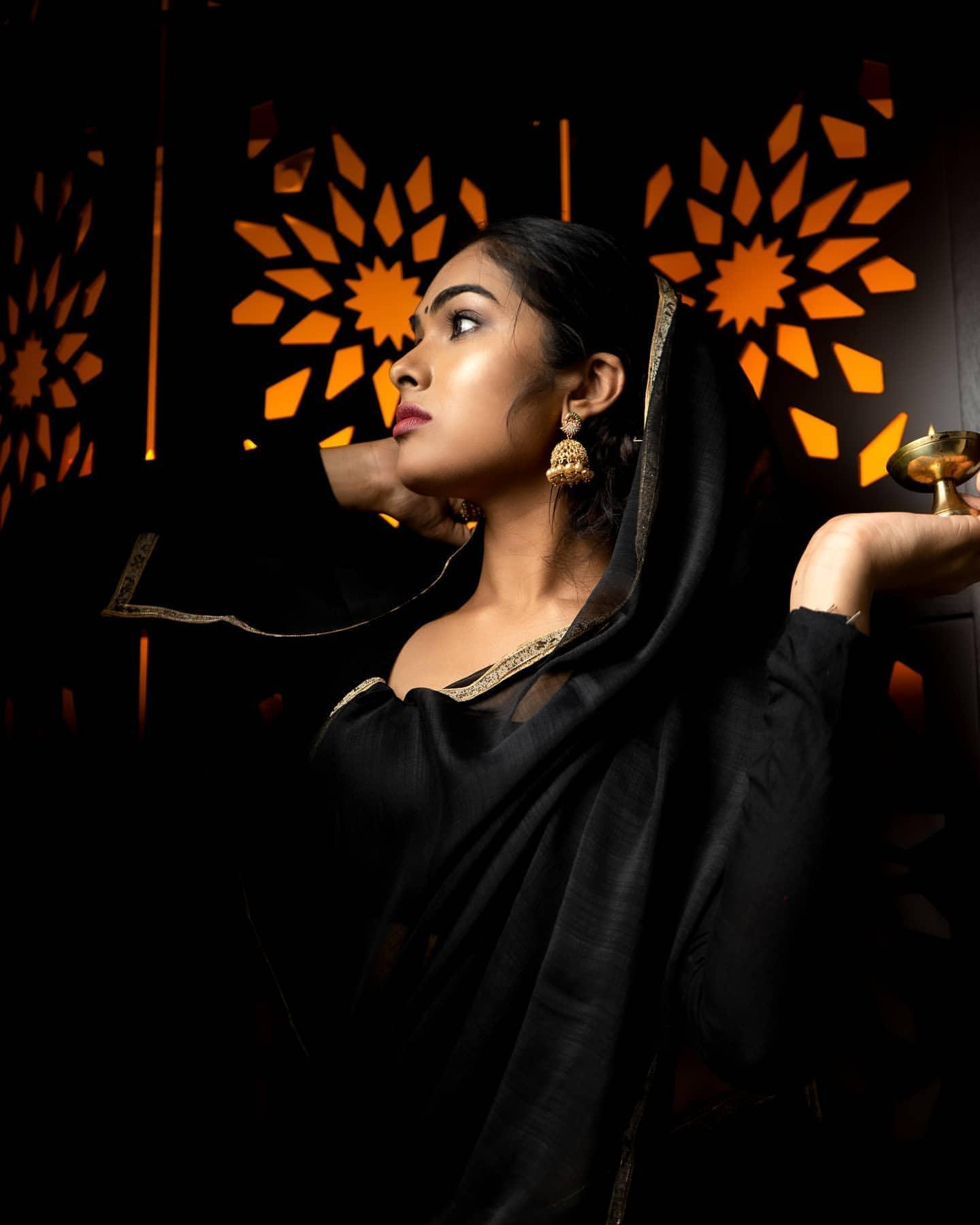Bigg Boss Telugu 4 Divi : వారెవ్వా దివి.. సోషల్ మీడియాలో క్రేజు మామూలుగా లేదుగా.. Photo : Instagram