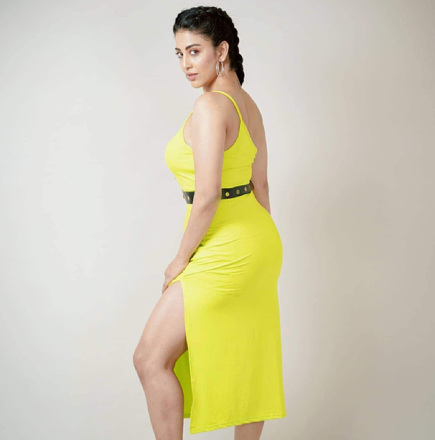 దక్ష నాగర్కర్ లేటెస్ట్ ఫోటో షూట్.. Photo : Instagram