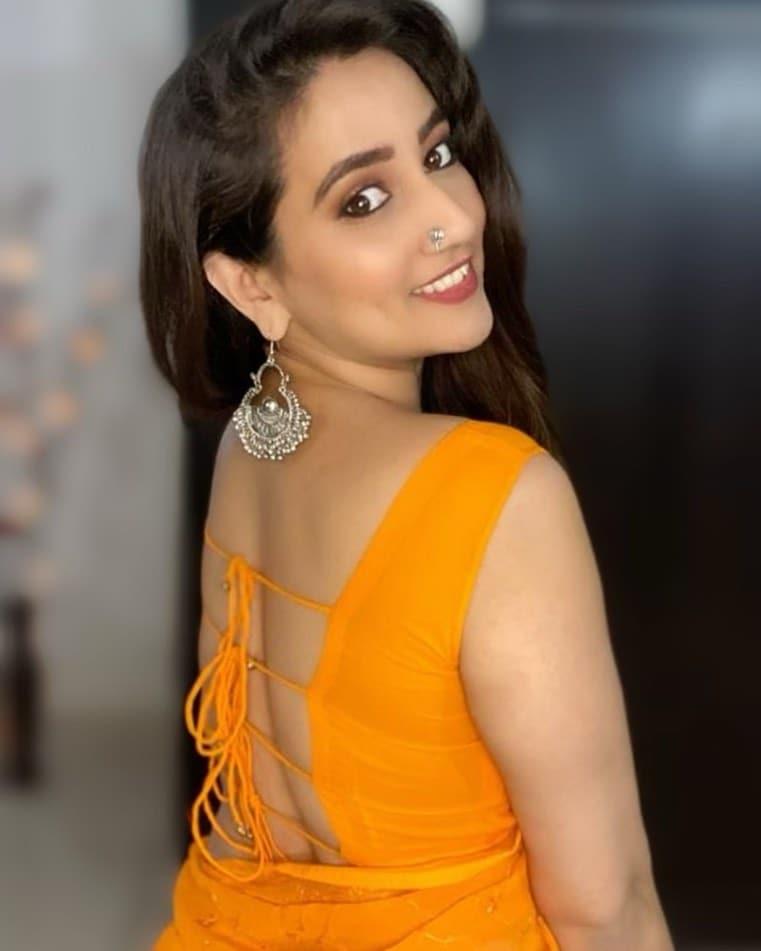 Anchor Manjusha : యాంకర్ మంజూష అదిరేటి అందాలు వీపందాలు.. కేక పెట్టిస్తోందిగా.. Photo : Instagram