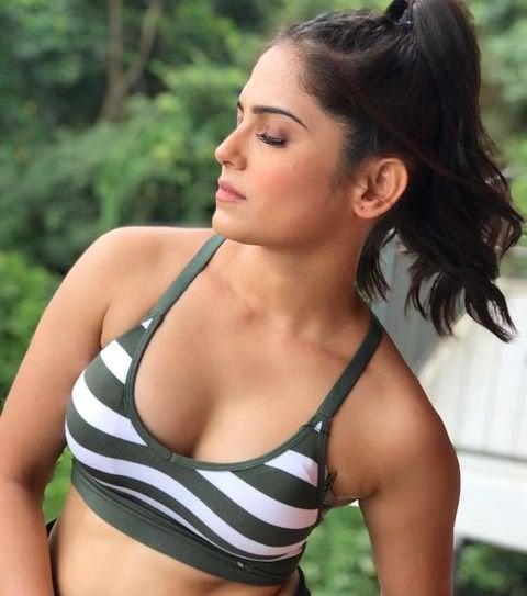 నైనా గంగూలీ హాట్ ఫోటోషూట్ (Naina Ganguly/Twitter)