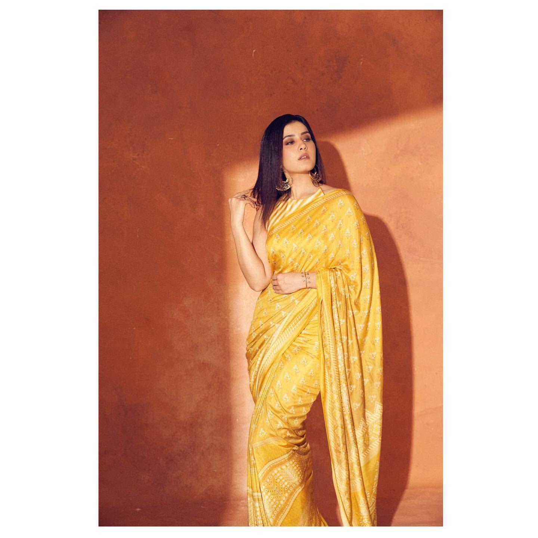 రాశీ ఖన్నా.. ఫోటో షూట్ Photo: Instagram.com/raashikhannaoffl