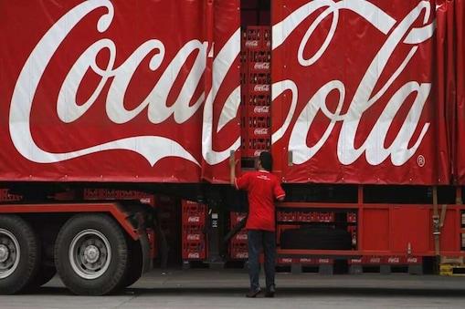Coca Cola Paper Bottles: పేపర్ బాటిళ్లు వాడనున్న కోకాకోలా.. కాలుష్యం తగ్గించేందుకు కొత్త ఆలోచన..