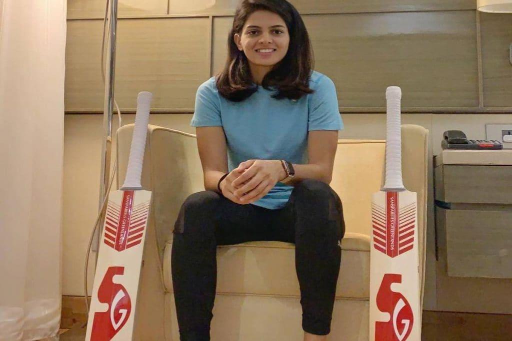 అనేక కష్టాలు ఎదుర్కొని చివరికి 2018లో టీమిండియాలో స్థానాన్ని సంపాందించుకుంది. ఇప్పటి వరకు భారత్ తరఫున 5 వన్డేలు, 3 టీ20లు ఆడింది. Priya Punia (source: instagram)