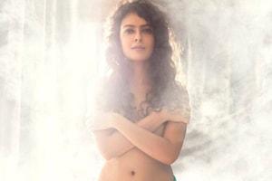 Bidita Bag: అవిరిలో బిడితా బాగ్ స్కిన్ షో.. కని కనిపించని దుస్తులతో ఫోటోషూట్