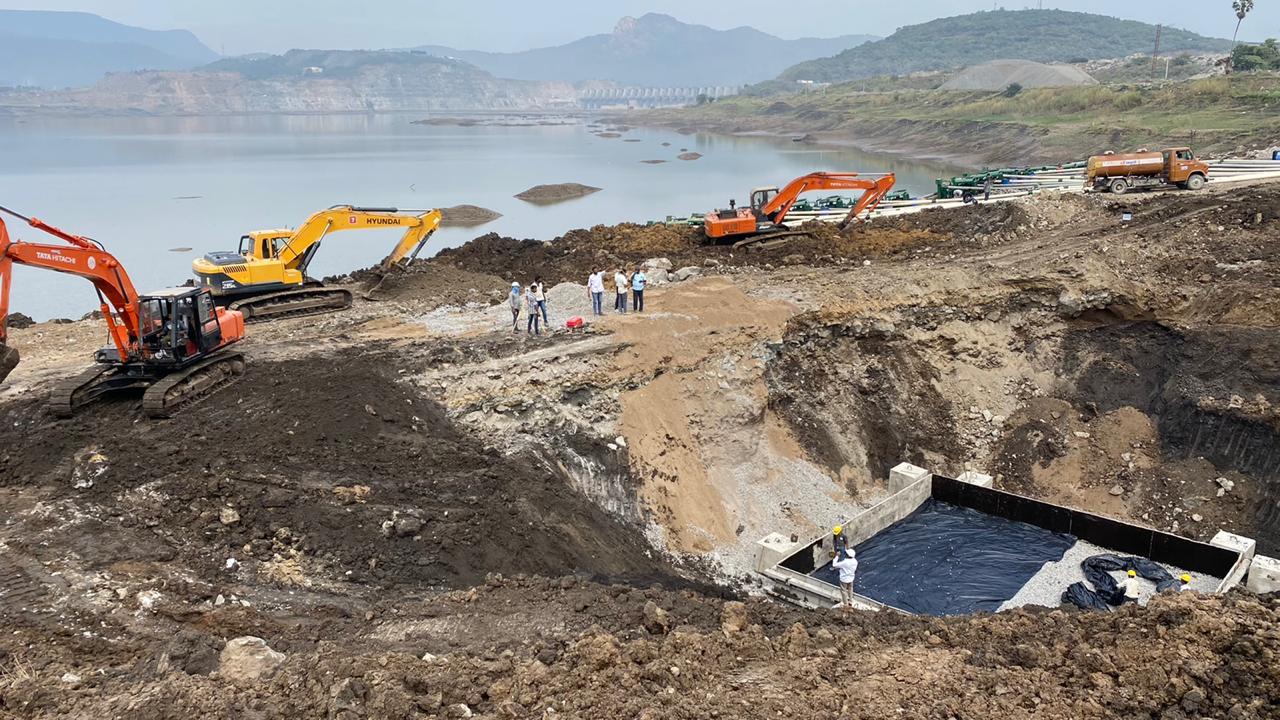 Polavaram Project, Megha Engineering Company, Andhra Pradesh Government, Irrigation Departent, Polavram Spill channel, పోలవరం ప్రాజెక్ట్, మేఘా ఇంజనీరింగ్, ఆంద్రప్రదేశ్ ప్రభుత్వం, నీటిపారుదల శాఖ, పోలవరం స్పిల్ ఛానల్
