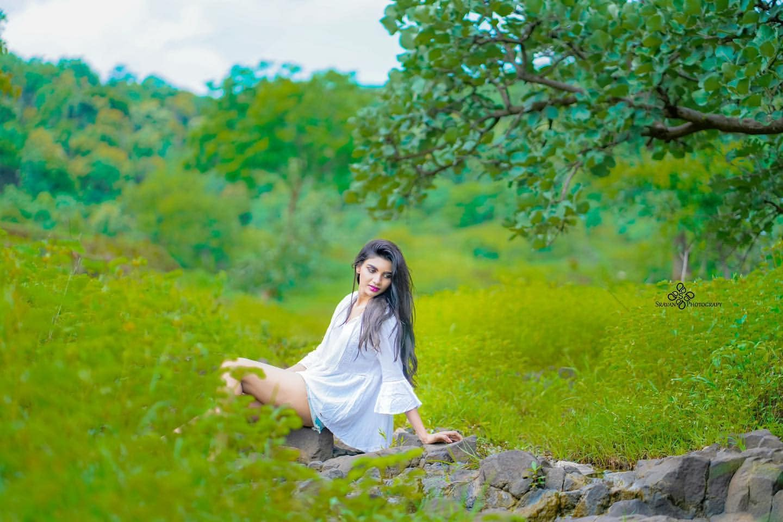 Jabardasth Varsha : గౌను పైకెత్తుతూ.. జబర్దస్త్ వర్ష బోల్డ్ ఫోటో షూట్.. Photo : Instagram