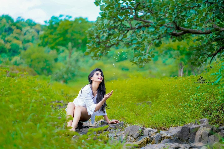 Jabardasth Varsha : ప్రకృతి ఒడిలో అందాలను ఆరబోసిన జబర్దస్త్ వర్ష.. Photo : Instagram