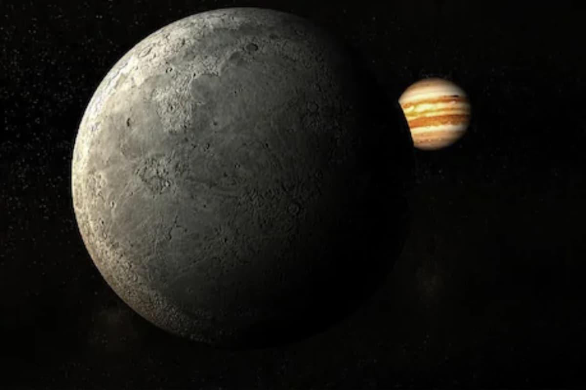 Secondo le ricerche fatte finora ... non ci sono creature come noi su altri pianeti nella nostra famiglia solare.  Sebbene si creda che alcuni satelliti contengano acqua ... si stima che ci siano solo microrganismi o pesci.  Questo è il motivo per cui l'universo sta cercando gli alieni.  (Immagine fornita dalla NASA)