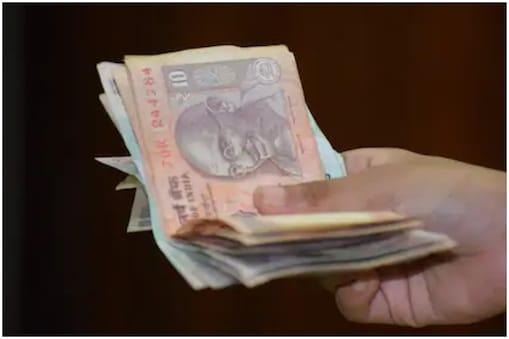 Andhra Pradesh: నెలకు 40 రూపాయల పెన్షన్.., నాలుగు వాటాలు.. ఇదెక్కడి విడ్డూరం..?
