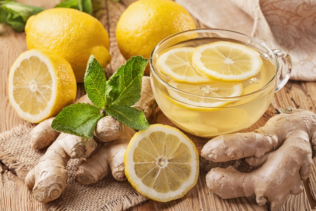 Drinking lemon juice daily will help to remove stones in Kidney here is the details కిడ్నీలో రాళ్లా..? వాటిని కరిగించి బయటకు పంపే శక్తి దీనికి ఉందని మీకు తెలుసా.?