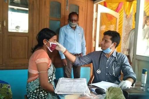 1 Rupee Doctor: ఒక్క రూపాయికే వైద్య చికిత్స.. ఈయన వైద్యుడు కాదు దేవుడు..