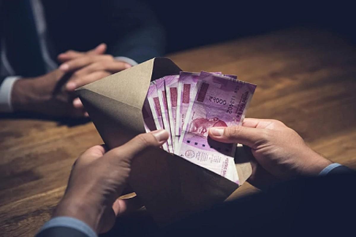 12. Jana Small Finance Bank: జన స్మాల్ ఫైనాన్స్ బ్యాంక్ సేవింగ్స్ అకౌంట్లోని బ్యాలెన్స్కు 7.25 శాతం వరకు వడ్డీ ఇస్తోంది. (ప్రతీకాత్మక చిత్రం)